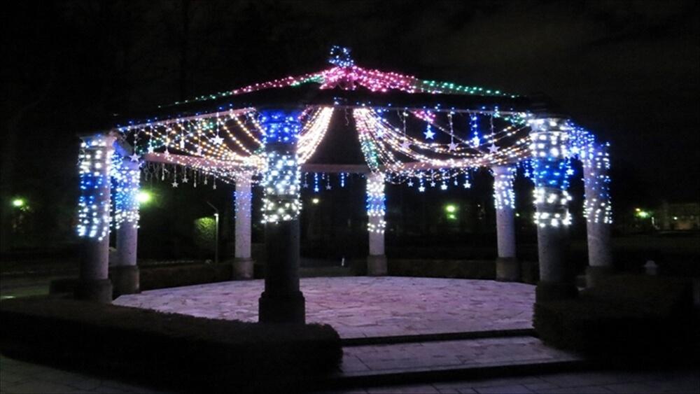 八角パーゴラクリスマスイルミネーション